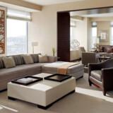 1. Four Seasons Hotel New York: Ty Warner Penthouse Suite. 196.000 kr. pr. nat.