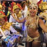 Kvindelig deltager ved karnevallet i Rio de Janeiro i Brasilien.