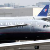 United Airlines holdt ud som det sidste selskab, der tillod to kufferter pr. rejsende. Men nu har også dette selskab besluttet, at nummer to kuffert skal koste ekstra.