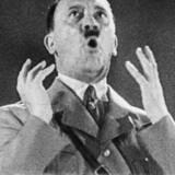 Adolf Hitler under en af sine taler.