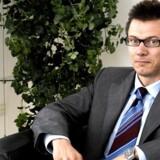 Advokatundersøgelsen, der er bestilt af Finansiel Stabilitet, uddeler uhørt hård kritik af Lasse Lindblad, der nu kan se frem til både straffesag og erstatningskrav.
