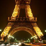 Eiffeltårnet er en yndet seværdighed for turister i Paris.