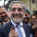 Oppositionsleder og tidligere udenrigsminister Abdullah Abdullah fører det afghanske præsidentvalg.