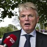 Tidligere departementschef Peter Loft taler med journalister ved ankomst til afhøring i Skattesagskommissionen tirsdag d. 14 maj 2013.