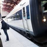 Hvis det står til tre udenlandske togselskaber, skal DSB have en mindre del af den danske jernbane for sig selv.