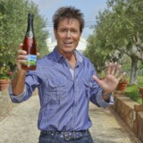 Popstjernen Cliff Richard.