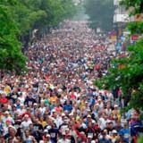 12. september indtager tusinder af løbeglade mennesker gaderne i Stockholm i anledning af byens årlige halvmarathon.