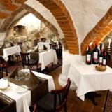 Den super hyggelige restaurant i den gamle krypt fra 1400-tallet.