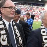 FCKs daværende bestyrelsesformand Flemming Østergaard og tidligere direktør Jørgen Glistrup tilbage i 2005.