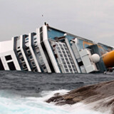 Krydstogtskibet Costa Concordia ligger som en kæntret kæmpe ved den italienske ø Giglio.