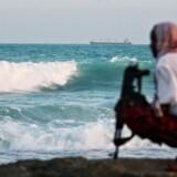 EUs flådestyrke har for første gang rettet angreb mod piratbaser på land.