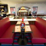 1050 kvadratmeter Elvis-nostalgi slår fredag 15. april dørene op på Graceland Randers Vej.