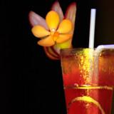 """En ny cocktail skal få turisterne tilbage til Thailand. På billedet er drinken """"Blossom of Gold"""""""