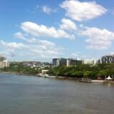 South Bank er et yndet sted at slappe af, tage en løbetur eller en dukket i den urbane strand med udsigt til Brisbane River.
