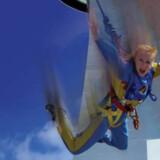 Skyjump i Las Vegas, som åbner til april, er lig med et hop ud i den blå luft og herefter frit fald på 350 meter - eller 108 etager.