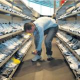 Sko, sko, og flere sko. Der er gode muligheder for at få fingre i sportssko til en tredjedel af prisen i Danmark, når man shopper i outlet i USA.