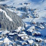 Mangler du innspiration til skiferien, kan du se alle guides og artikler om sne og ski her. Trenden er klar for børnefamilierne: De små byer foretrækkes fremfor de kendte kæmpe-skiområder.