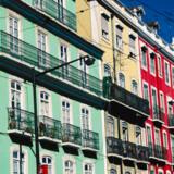 Med sine pittoreske gader og betagende panoramaer fra byens høje er Portugals hovedstad lig med nostalgisk charme. Men Lissabon er også i forandring og frister med moderne byliv, der er med til at give den status som Sydeuropas retro-chikke lillesøster.