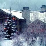 Sun Valley Lodge, Idaho, USA, er ren behagelighed med knitrende pejse, bløde sofaer og senge i den gammeldags stil.