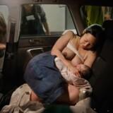 Den 23. marts 2014 ankommer Catherine til Södersjukhusets fødeafdeling. Barnet er allerede født, han kom til verden i bilen, to timer efter den første ve. Foto: Moa Karlberg