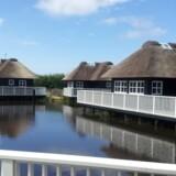 Der er seks forskellige hytteformer på Hvidbjerg Strand – fiskerhusene er den mest luksuriøse og også den mest populære.
