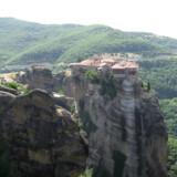 Kloster på Meteora klippernes top – munke og fornødenheder blev hejset op i hundredvis af år. Området er et af de mest besøgte i Grækenland samtidig med, at de færreste kender det.