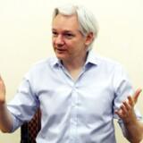 Julian Assange under en pressekonference sidste måned på den ecuadorianske embassade i London, hvor han har opholdt sig siden 19. juni 2012.