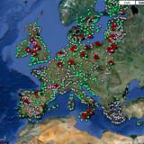 Siden 1990 har EU overvåget flere end 21.000 badestrande, -søer og -floder i Europa. Se det interaktive kort på guardian.co.uk