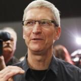 Apples topchef, Tim Cook, hæver USAs bedste direktørløn. Arkivfoto: Robert Galbraith, Reuters/Scanpix