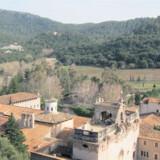 Klostret ligger uforstyrret midt i naturen.
