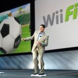 Nintendos amerikanske topchef afprøver det nyeste spil fra Nintendo Wii.