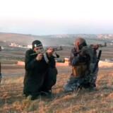 Tidligere på året opfordrede fire mænd, hvoraf to er dansktalende islamister, unge til at deltage i jihad, hellig krig, i Syrien.