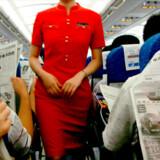 Stewardesser spiser ikke fed mad på en flytur - sørg for at spise salaten på bakken med mad (uanset hvordan den ser ud).
