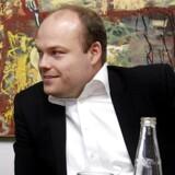 »Vi kan ikke bare give leverandørerne et los bagi, så de kan give varerne videre til en anden virksomhed. Vi er nødt til at gå ind og hjælpe dem med at blive bedre,« siger Bestsellers chef, Anders Holch Povlsen.