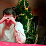 Farvel så længe. Det er ikke selve julen, det er galt med, mener de, der helst holder juleferie i udlandet. Det er det at skulle være sammen med os andre.