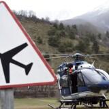 Den sorte boks fra Airbus-flyet, som tirsdag styrtede ned i Alperne, er beskadiget, men den kan stadig bruges i efterforskningen, bekræfter den franske indenrigsminister.