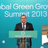 Den netop afløste norske miljøminister, Bård Vegard Solhjell,(indsat billede til højre, red.) siger til Aftenposten, at GGGIs rejsepolitik, som Lars Løkke Rasmussen har fået hård kritik for, var uacceptabel.