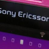 Til næste år forsvinder navnet Sony Ericsson fra mobiltelefonerne, som fremover blot vil hedde Sony. Foto: Yuriko Nakao, Reuters/Scanpix