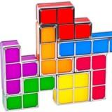 Legetøjsbokse formet som de klassiske Tetris-klodser.