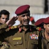 USAs præsident Barack Obama og forsvarsminister Chuck Hagel bekræfter, at den amerikanske fotojournalist Luke Somers er dræbt under en befrielsesaktion. Yemens forsvarsminister Mahmoud al-Subaih ankommer til ministeriet i Yemen lørdag.