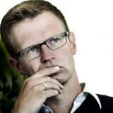 Erhvervsordfører for Socialdemokraterne, Benny Engelbrecht, bekymrer sig over den høje rente i banksektoren.