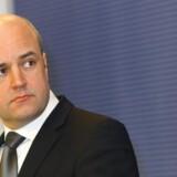 Den svenske statsminister, Fredrik Reinfeldt, må nu indstille sin storstilede privatisering. Arkivfoto: Ins Kalnins, Reuters/Scanpix