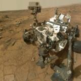 Mars-roveren Curiosity har taget billeder af sten på planetens overflade, som bl.a. danske forskere nu har analyseret. Konklusionen er, at der har eksisteret rindende vand på Mars' overflade, og det giver ny næring til spekulationerne om, hvorvidt der engang har eksisteret liv på planeten. Foto: AFP PHOTO / NASA/JPL-Caltech