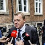 Både regeringen og Venstre vinder noget ved at blive enige om en rammeaftale for en vækstpakke, som faldt på plads tirsdag aften. Her ankommer Lars Løkke Rasmussen og Kristian Jensen til forhandlinger i Erhvervs- og Vækstministeriet.