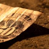 Danskere med flekslån risikerer en restskat på næsten 14.000 kroner til næste år på grund lavere rentefradrag, hvis de ikke laver deres skattekort om.