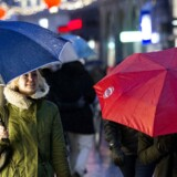 Fredag d. 12. december 2014 bød på regn, blæst og kulde. På Strøget i København var der bare blæsende.