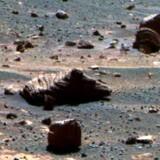 Ifølge NASA kan klippestykkerne næsten kun kan stamme fra vores naboplanet Mars, som her er fotograferet af et kamera monteret på robotkøretøjet Opportunity, som har udforsket Mars siden 2009.