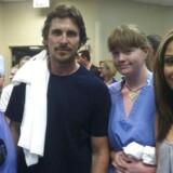 Skuespilleren Christine Bale besøgte tirsdag Swedish Medical Center i Aurora, Colorado.