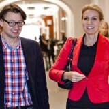 Helle Thorning-Schmidts rådgiver Noa Redington blev i dag afhørt i Skattesagskommisionen