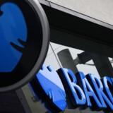 Den britiske storbank Barclays nedlægger hundredvis af stillinger